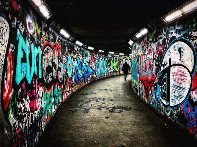 Scrittura autobiografica: che cos'è la storia sotterranea